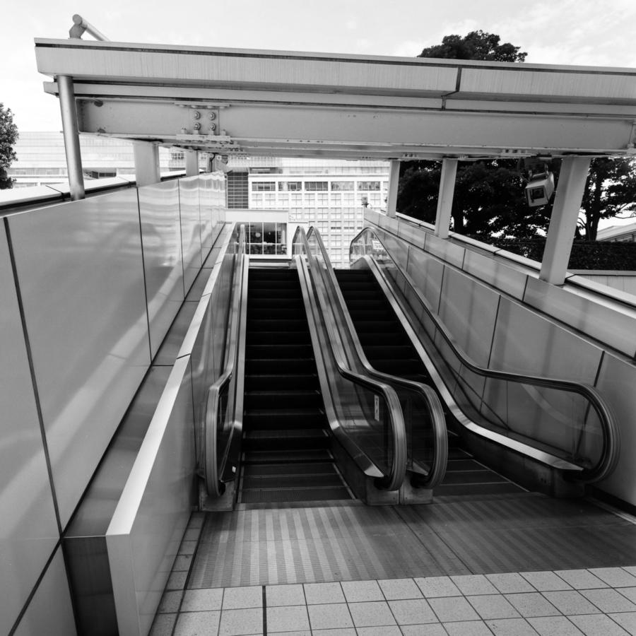 新宿サザンテラス ショートエスカレーター