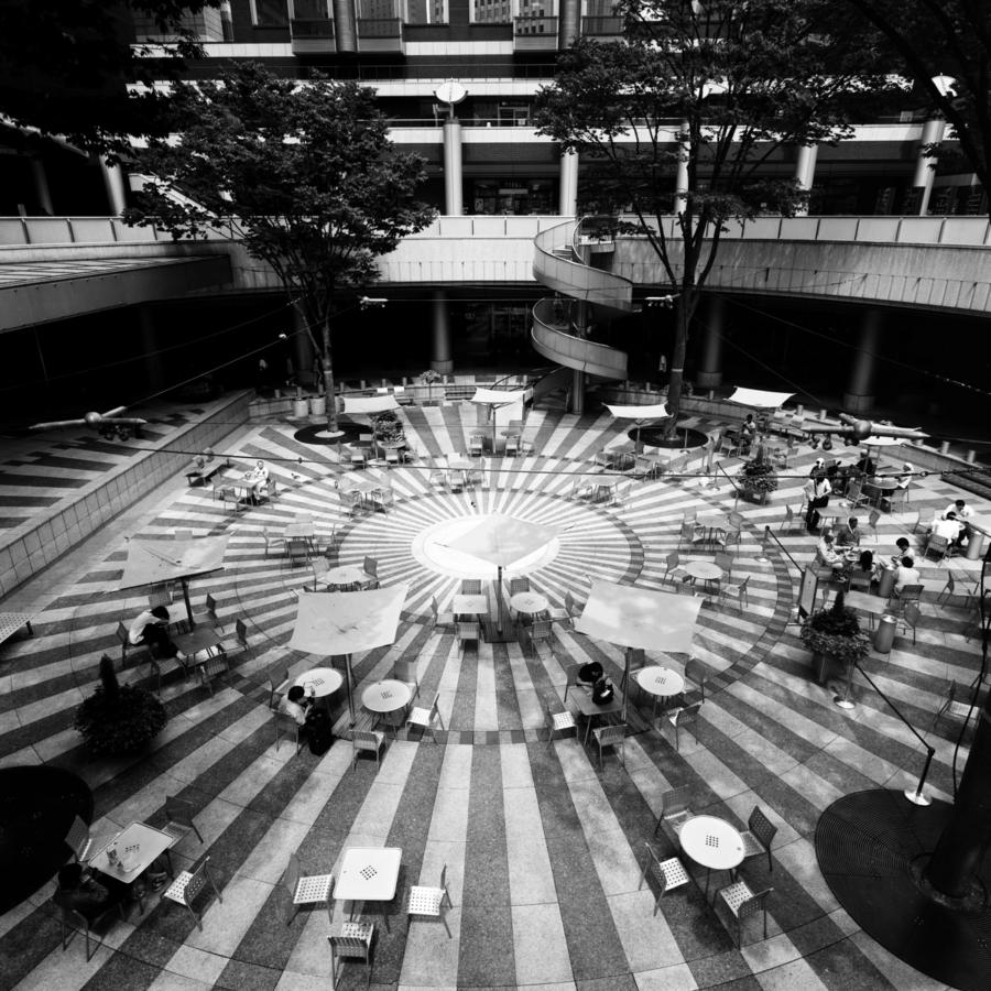 新宿アイランドタワー パティオ広場