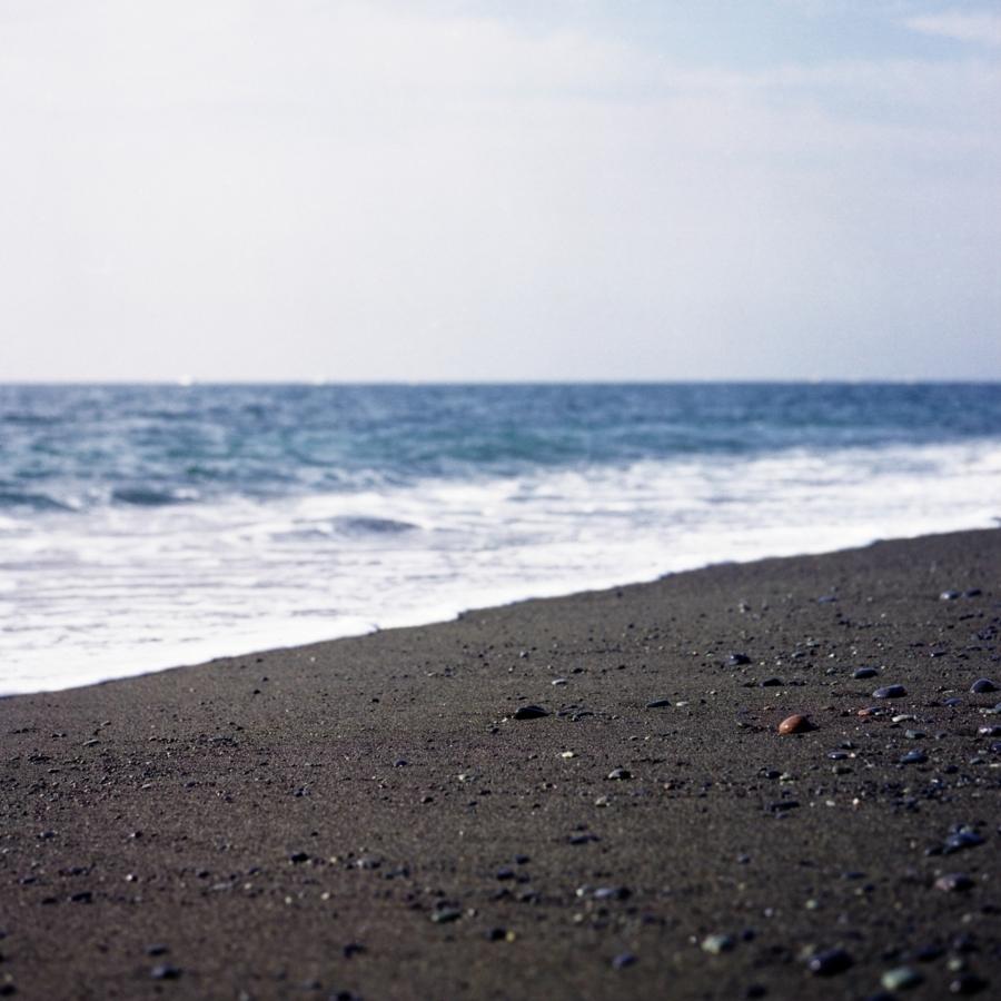 大磯 こゆるぎ浜の丸い小石