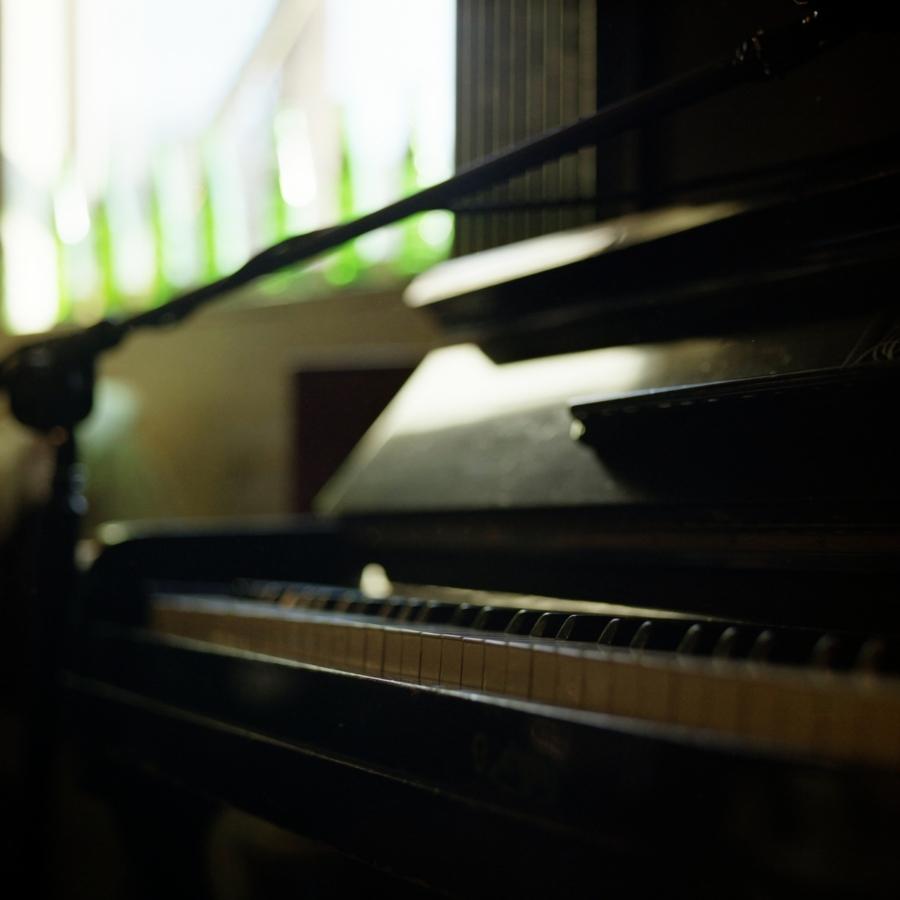 大磯エピナール アップライトピアノ