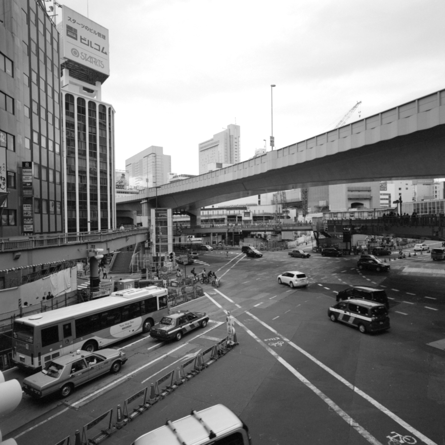 渋谷駅東口 首都高速3号渋谷線
