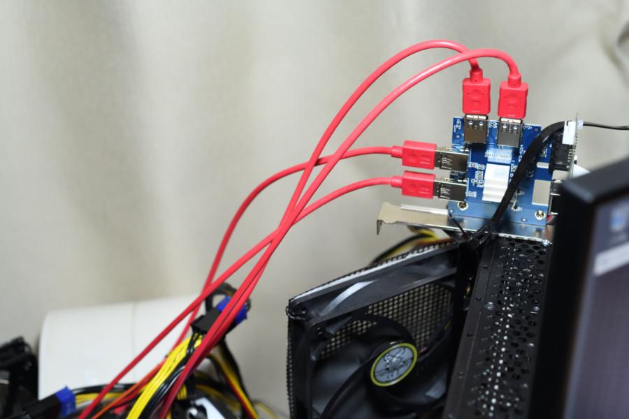 PCIe ライザー アダプタカード